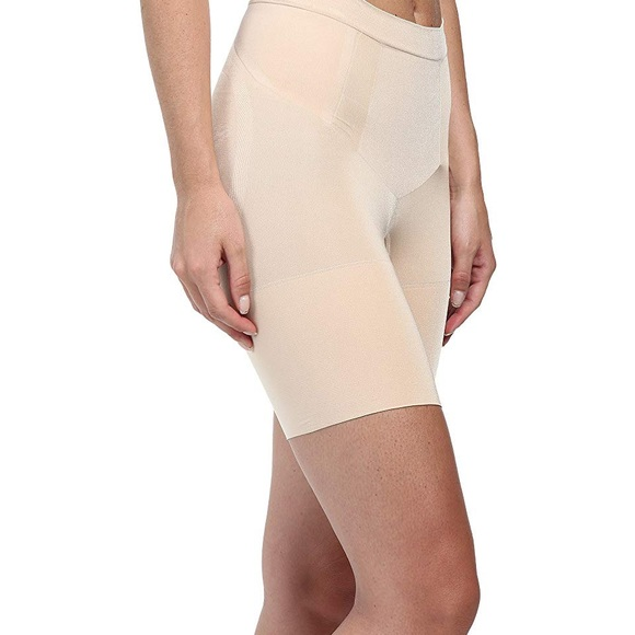 SPANX Other - Spanx Shapewear Oncore Mid-Thigh Short